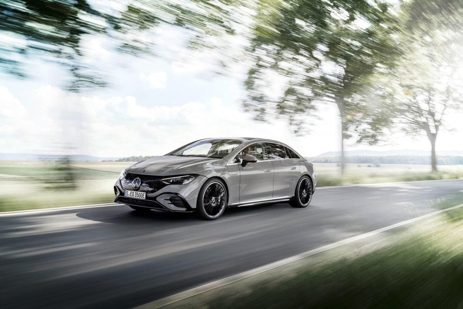 Mercedes-EQE-4