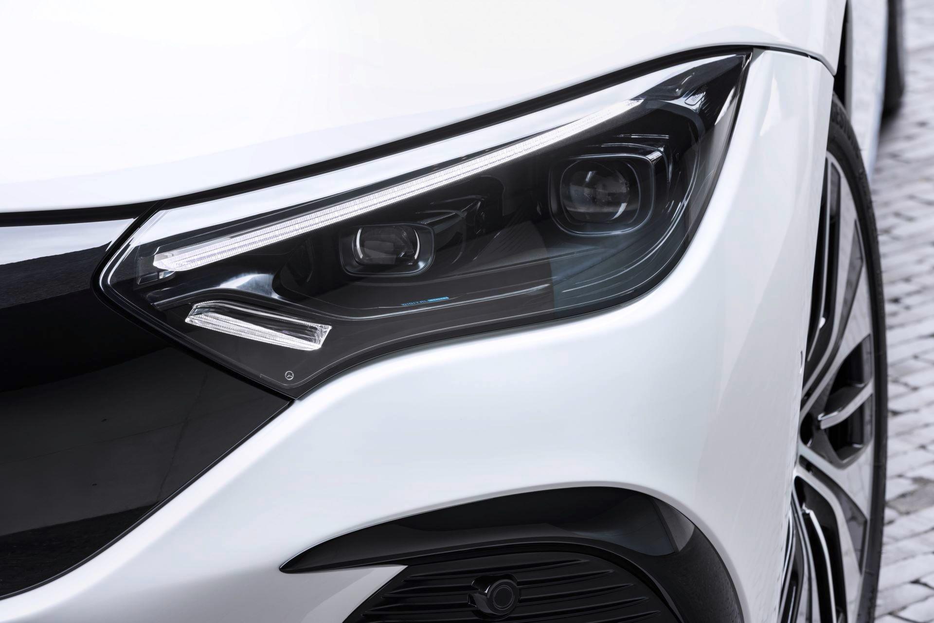 Mercedes-EQE-50