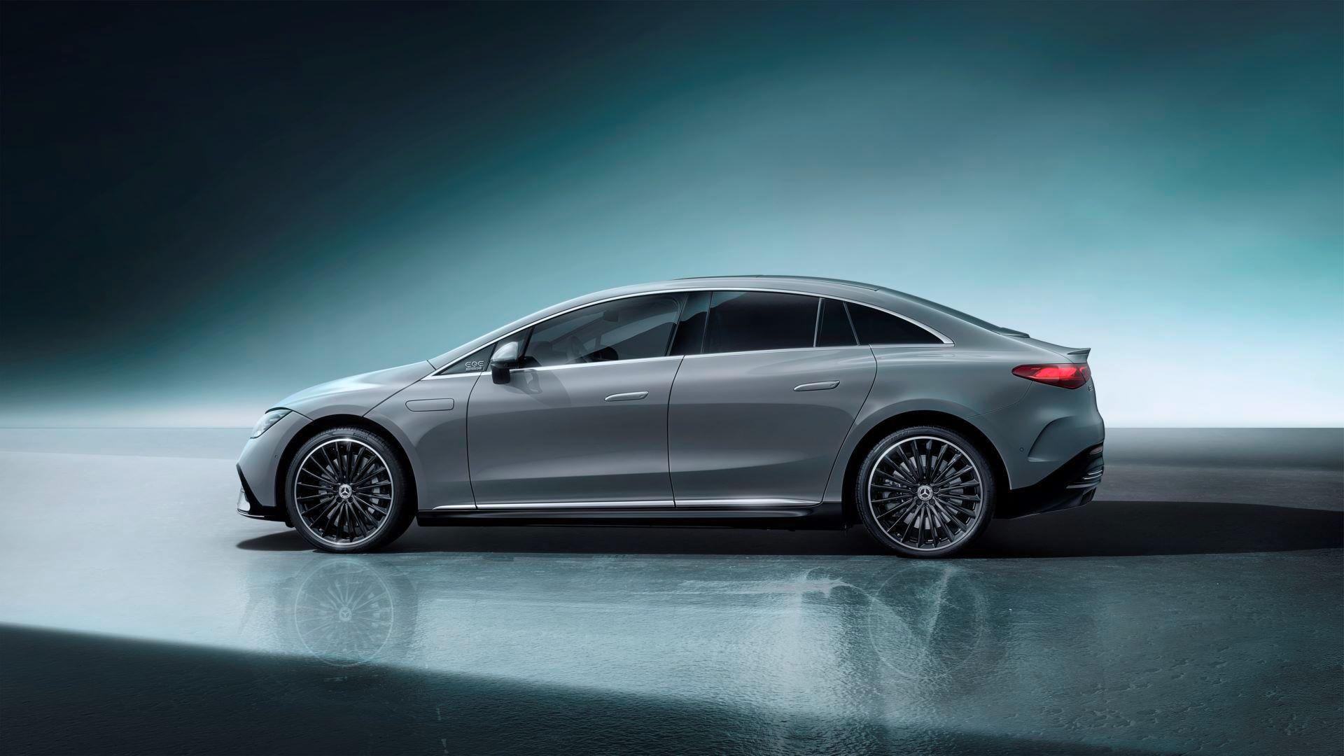 Mercedes-EQE-57