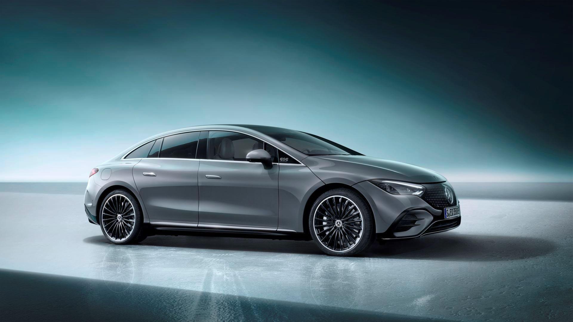 Mercedes-EQE-58