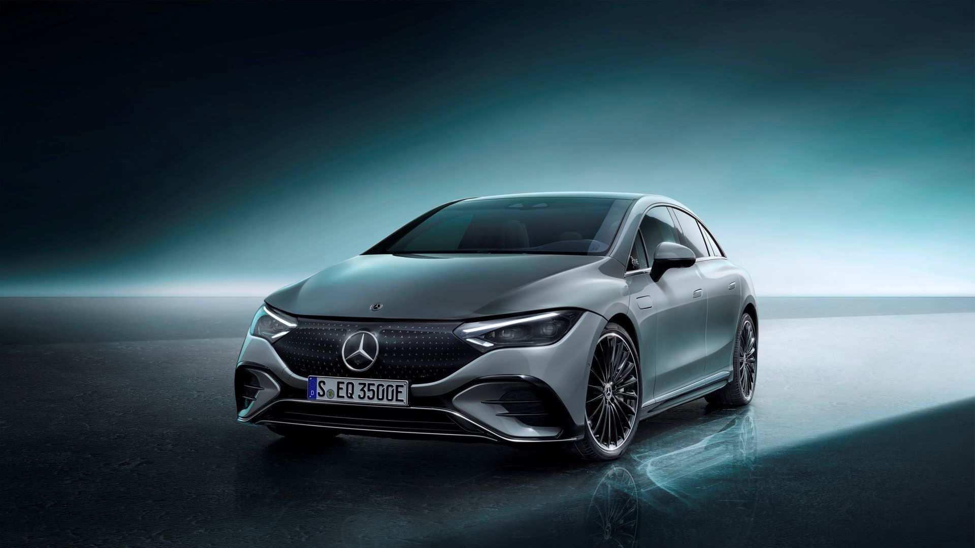 Mercedes-EQE-59