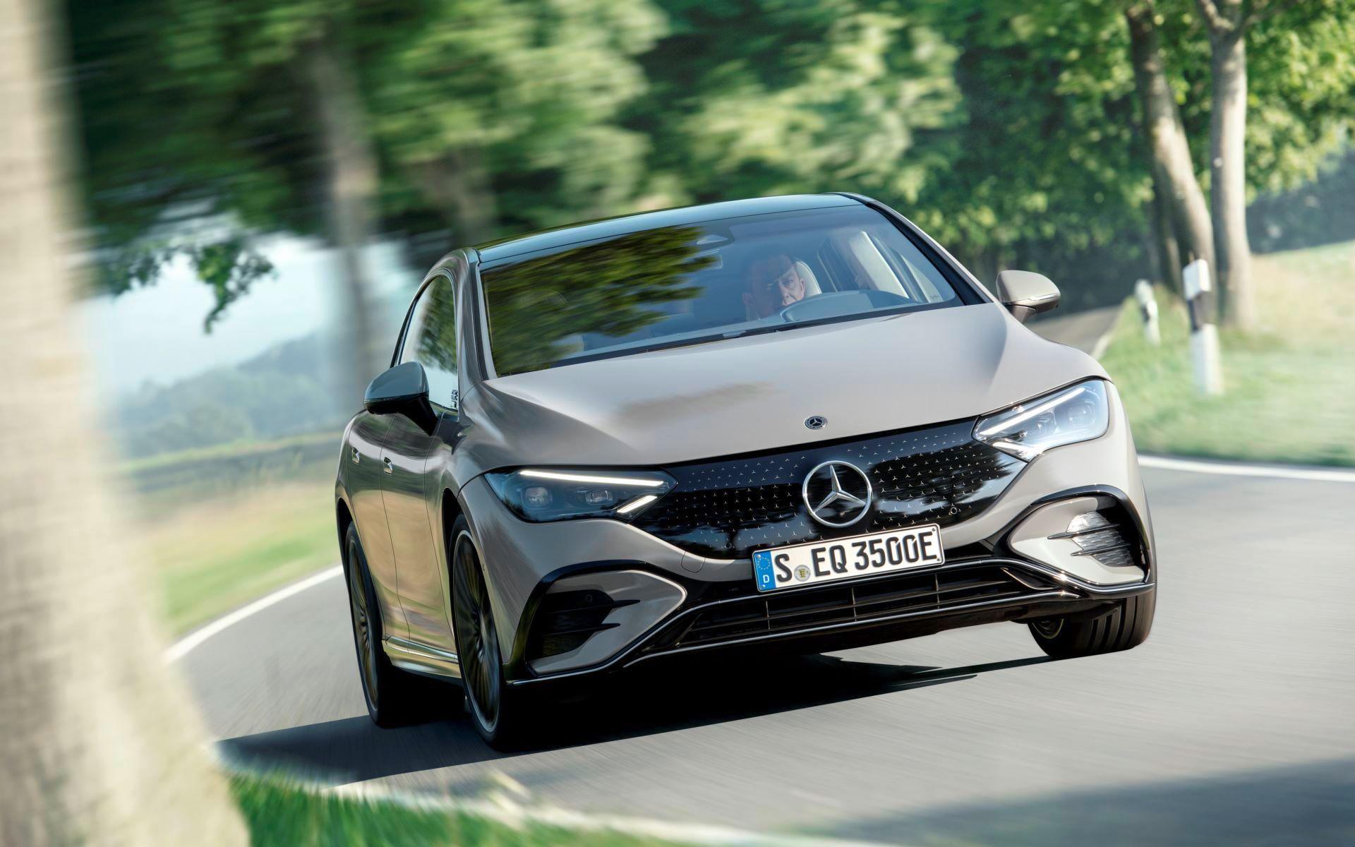 Mercedes-EQE-6