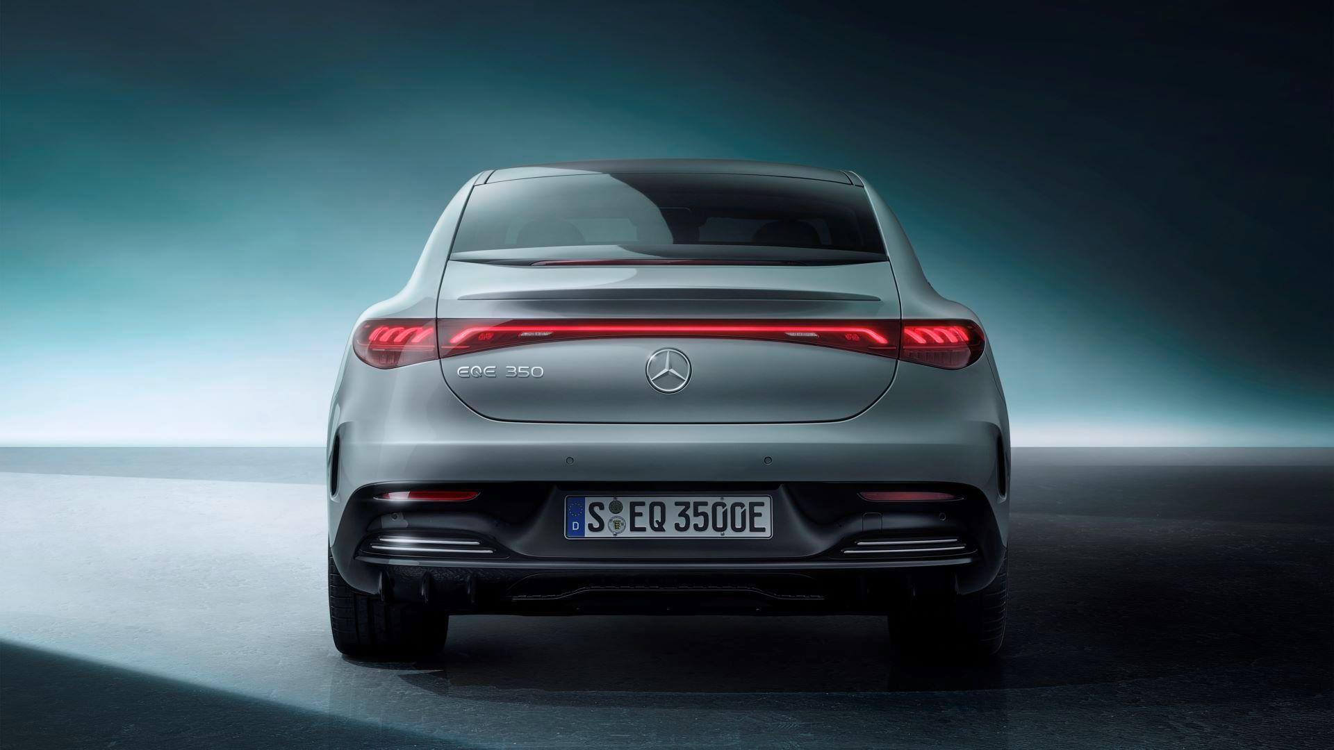 Mercedes-EQE-62