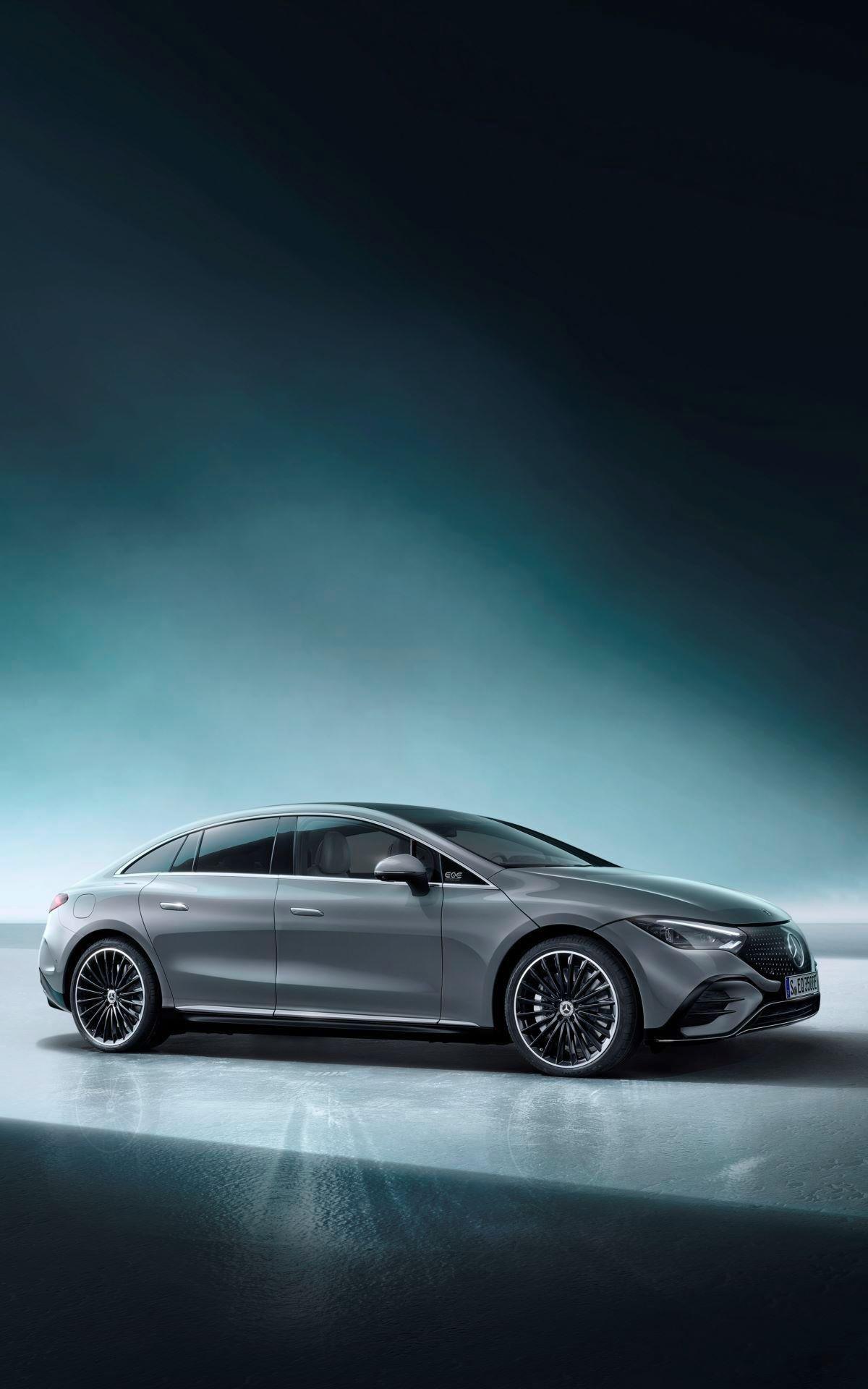 Mercedes-EQE-69