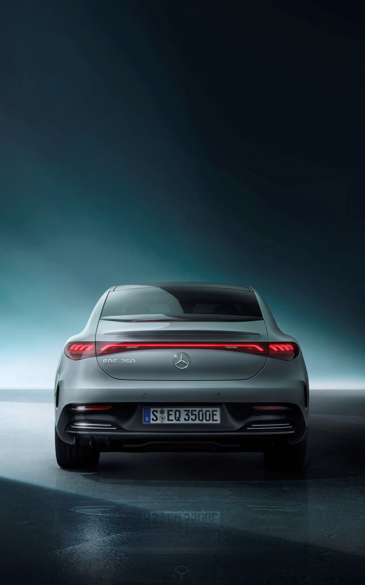 Mercedes-EQE-73