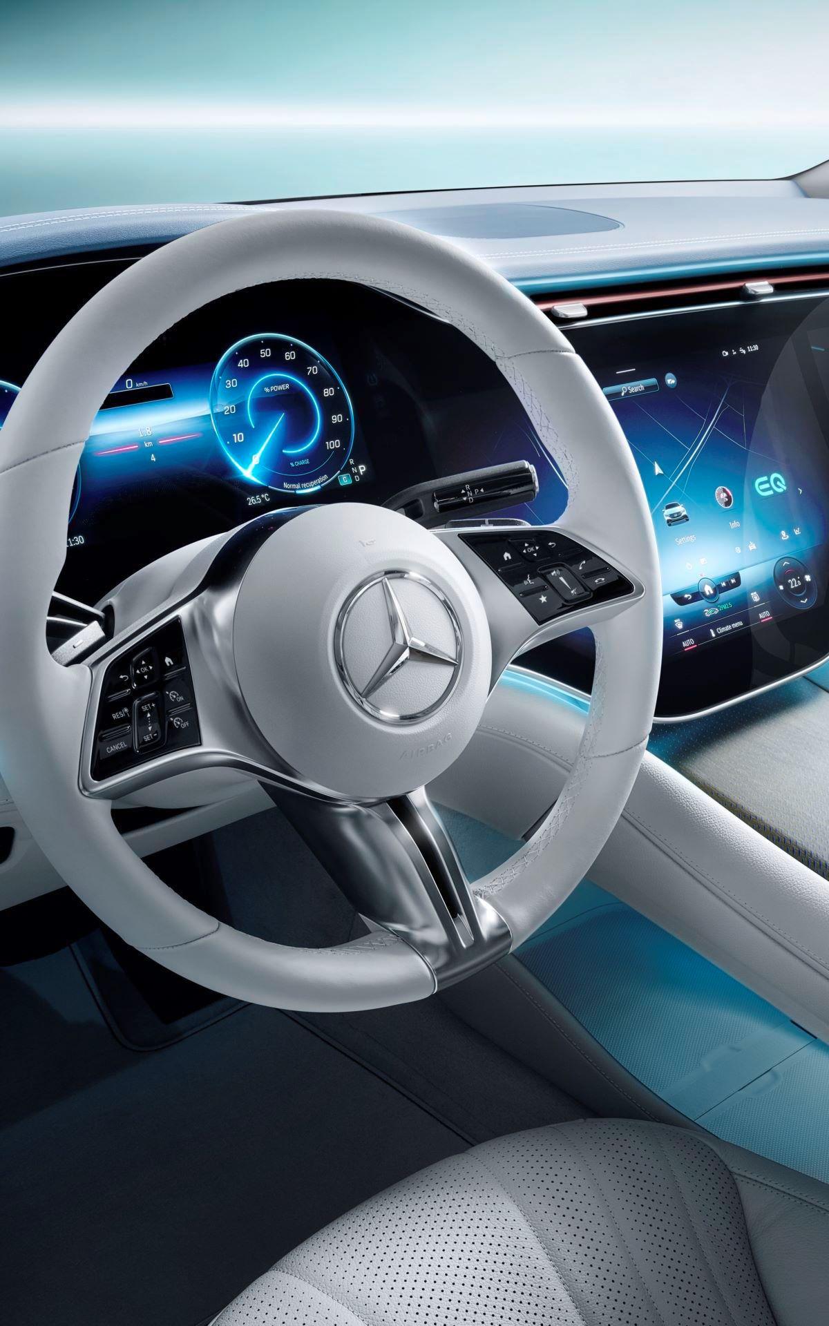 Mercedes-EQE-78