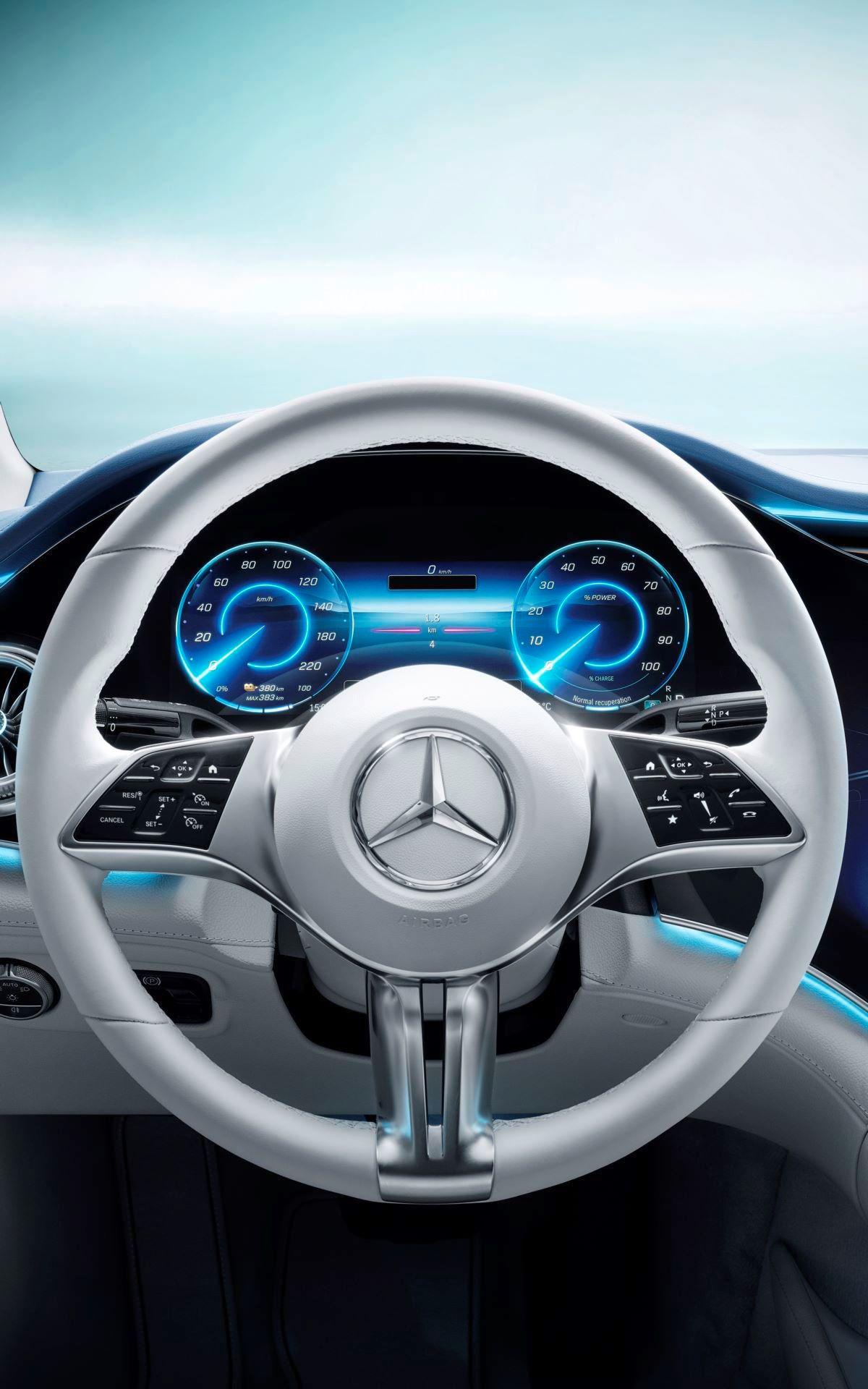 Mercedes-EQE-79