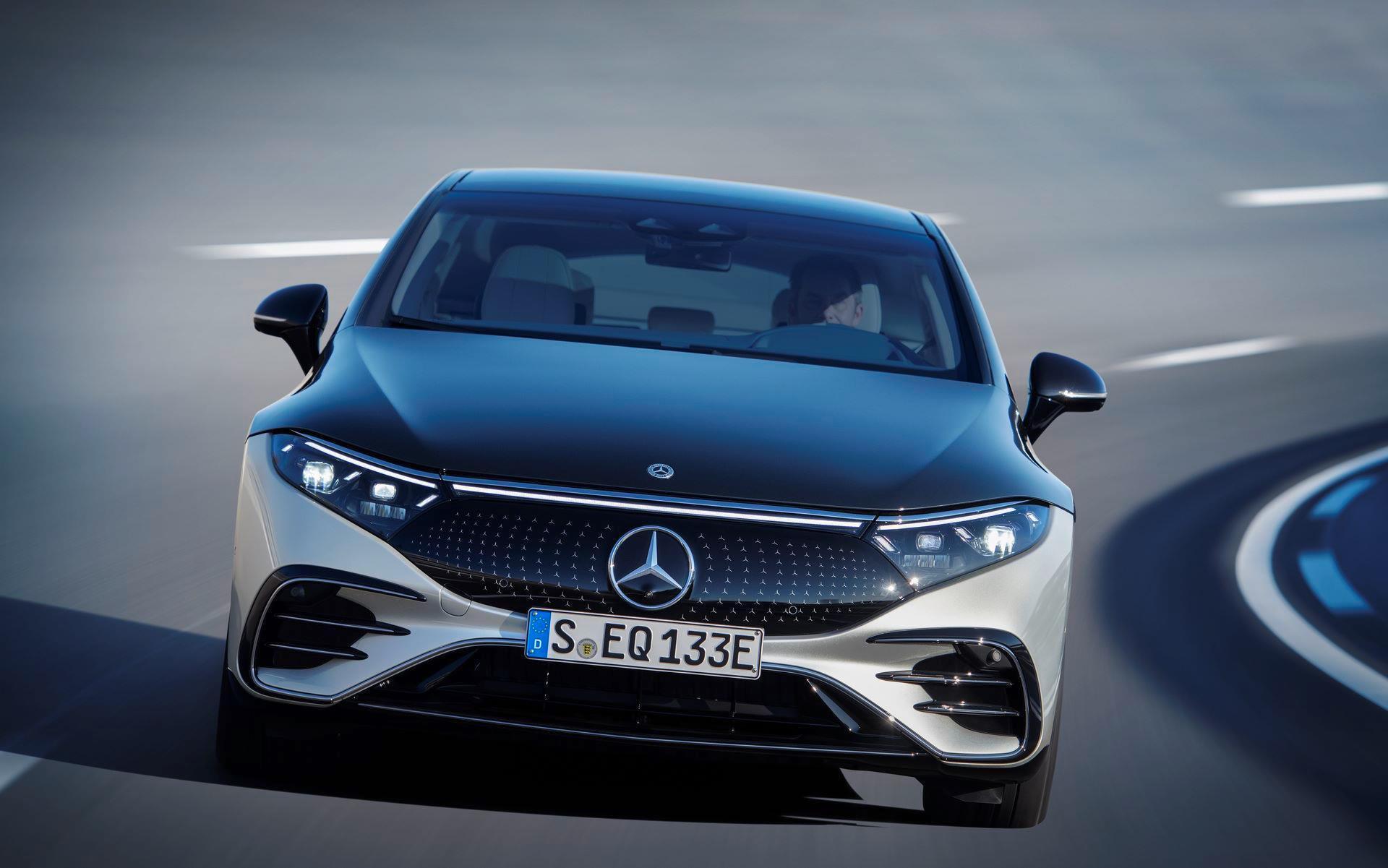 Mercedes-EQS-11