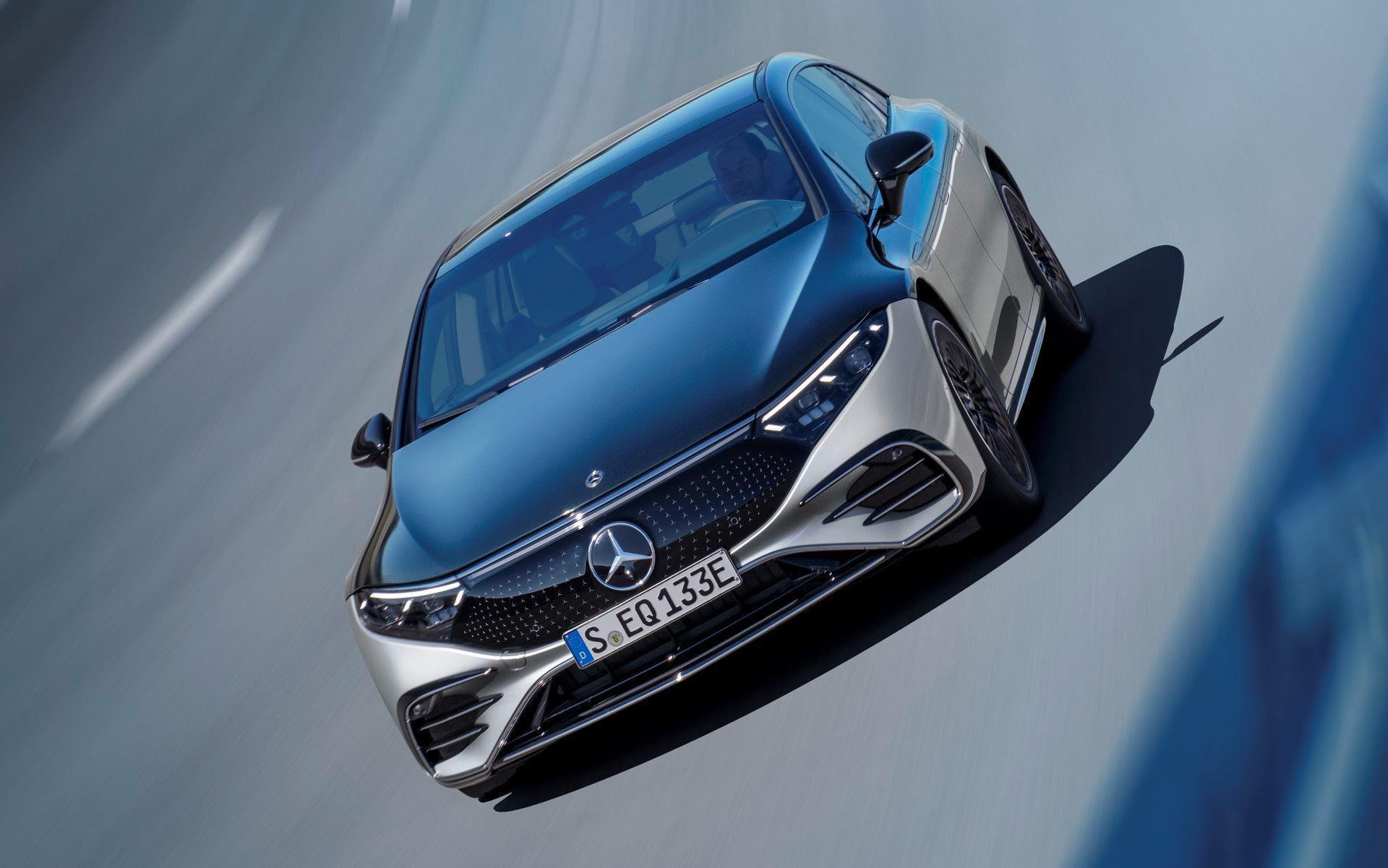 Mercedes-EQS-15