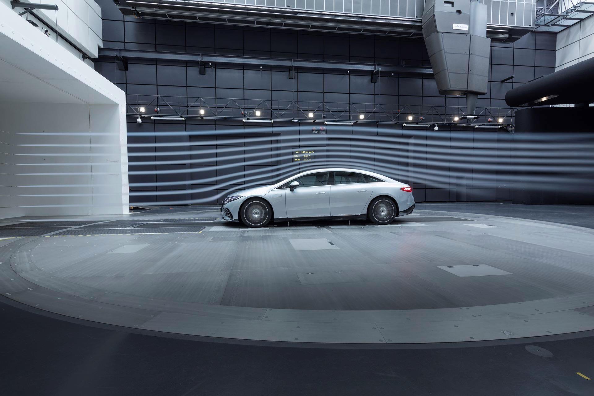 Mercedes-EQS-171