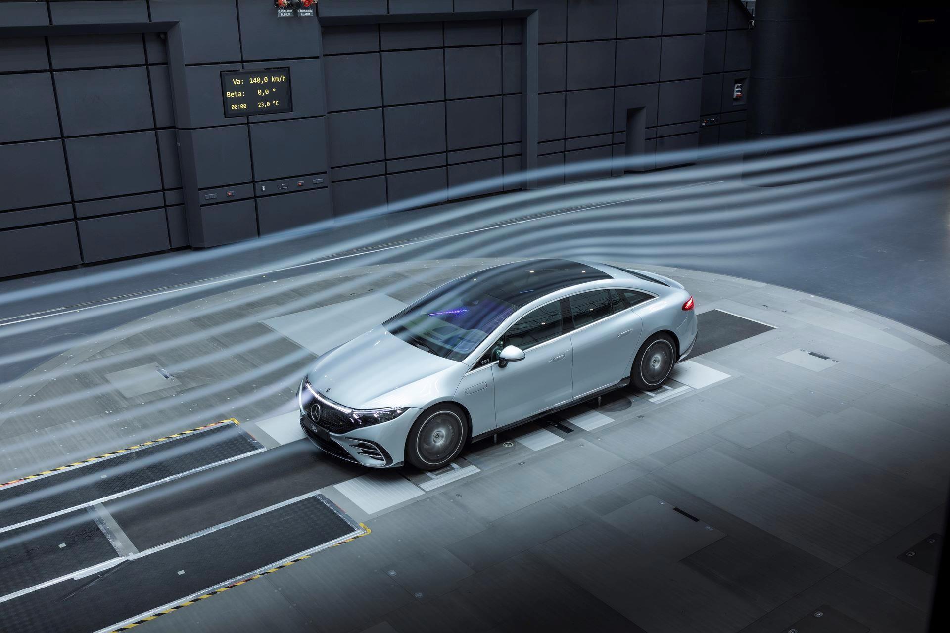 Mercedes-EQS-178