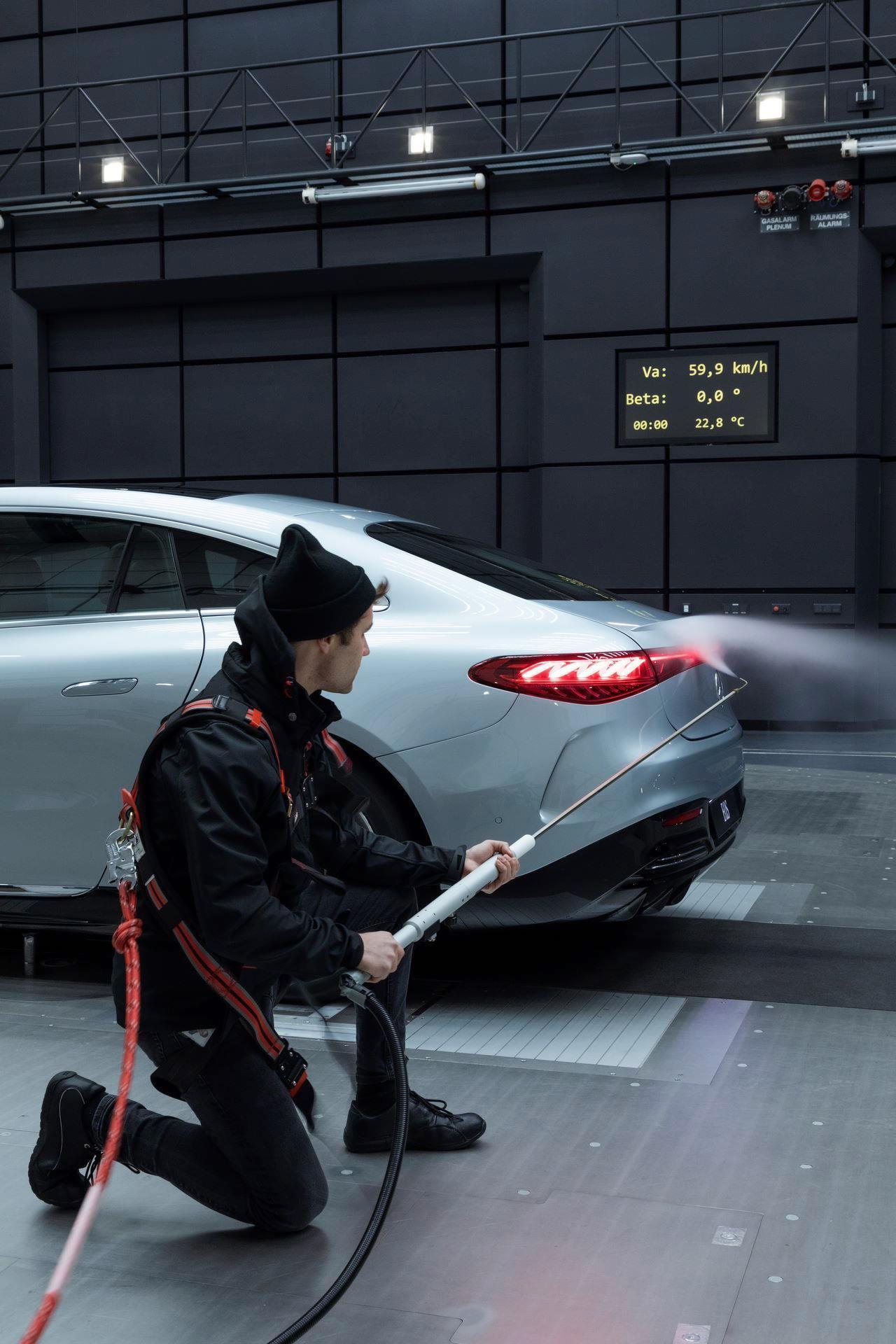 Mercedes-EQS-181