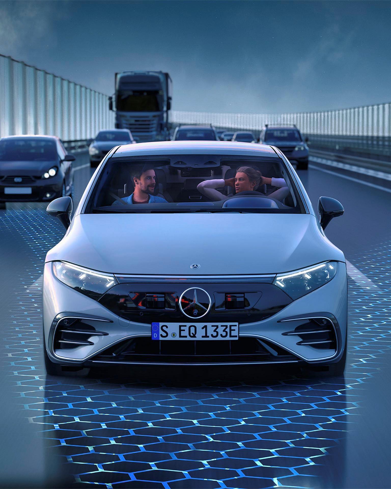 Mercedes-EQS-186