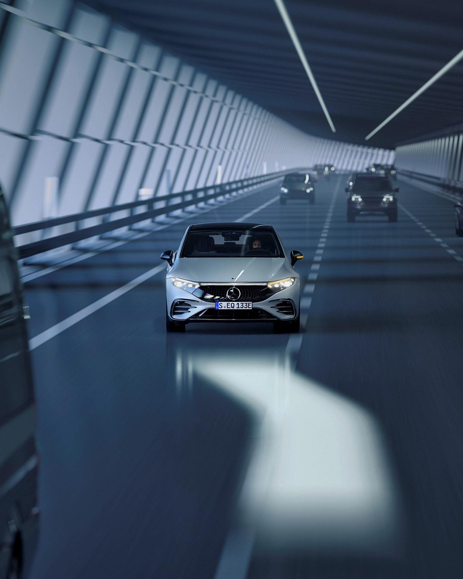 Mercedes-EQS-196