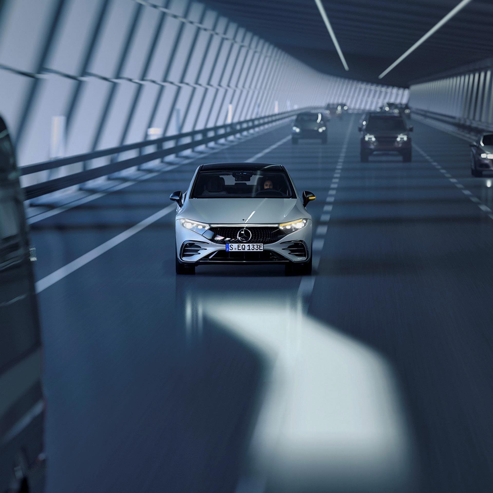 Mercedes-EQS-197