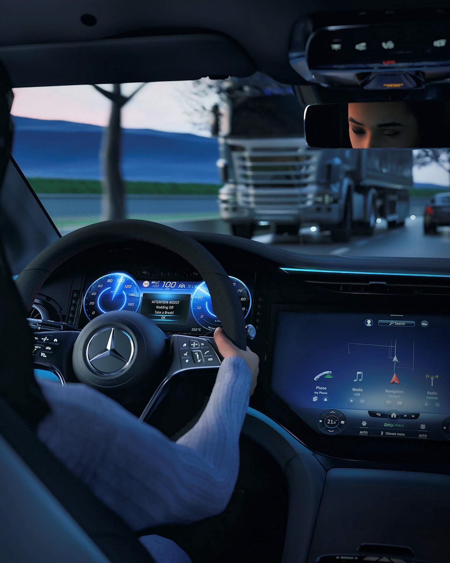 Mercedes-EQS-211