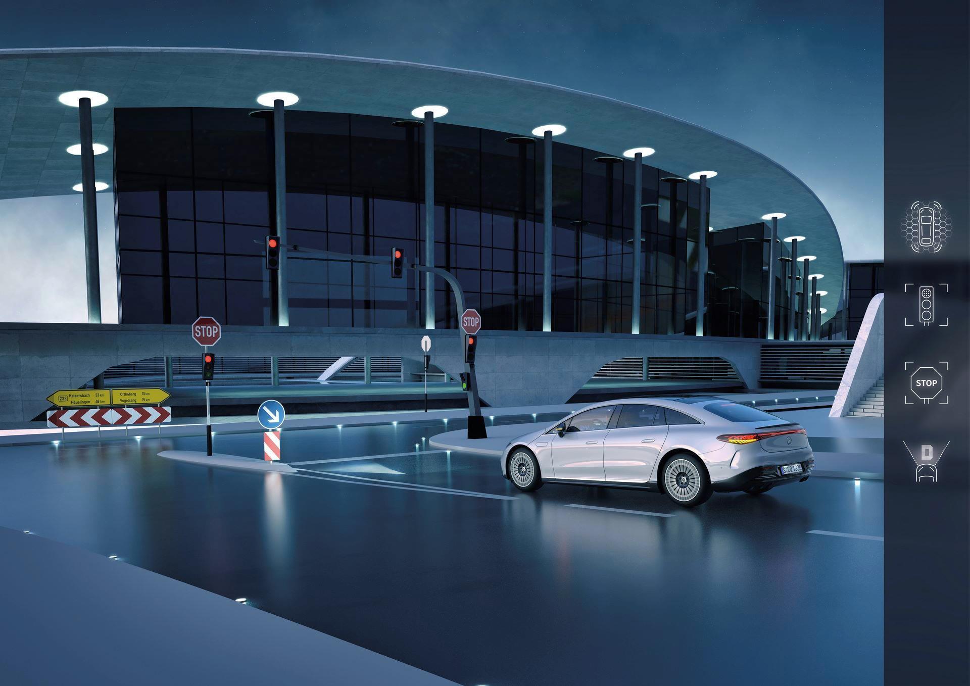 Mercedes-EQS-213