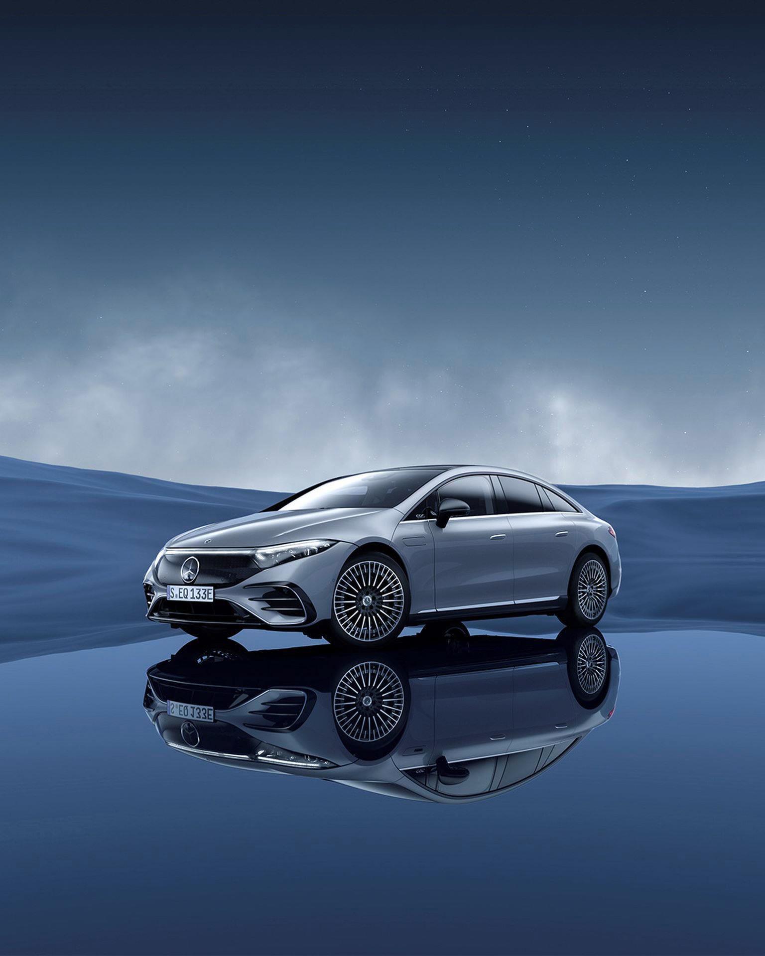 Mercedes-EQS-225