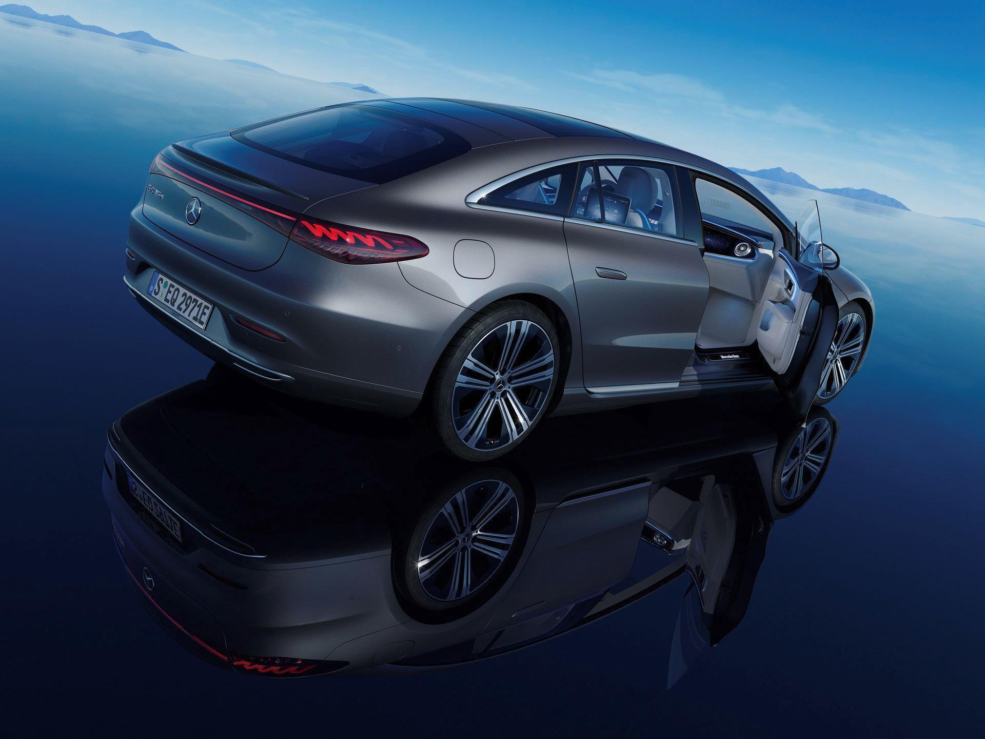 Mercedes-EQS-250