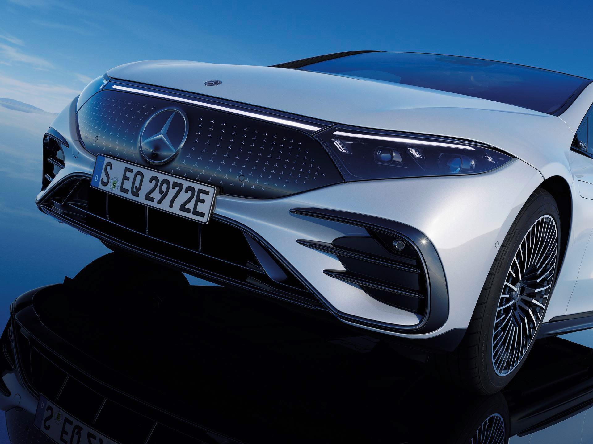 Mercedes-EQS-265