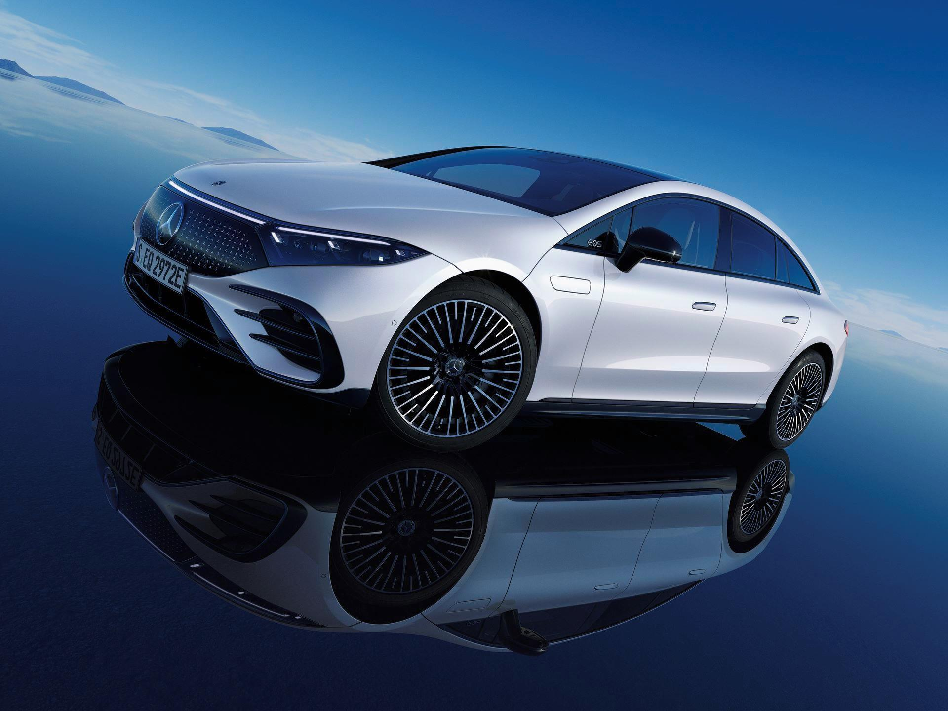 Mercedes-EQS-266