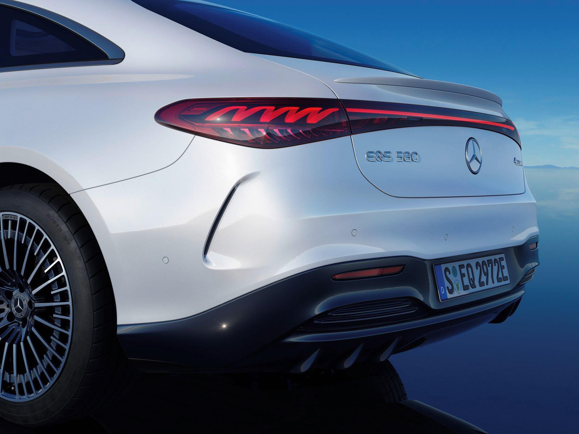 Mercedes-EQS-267