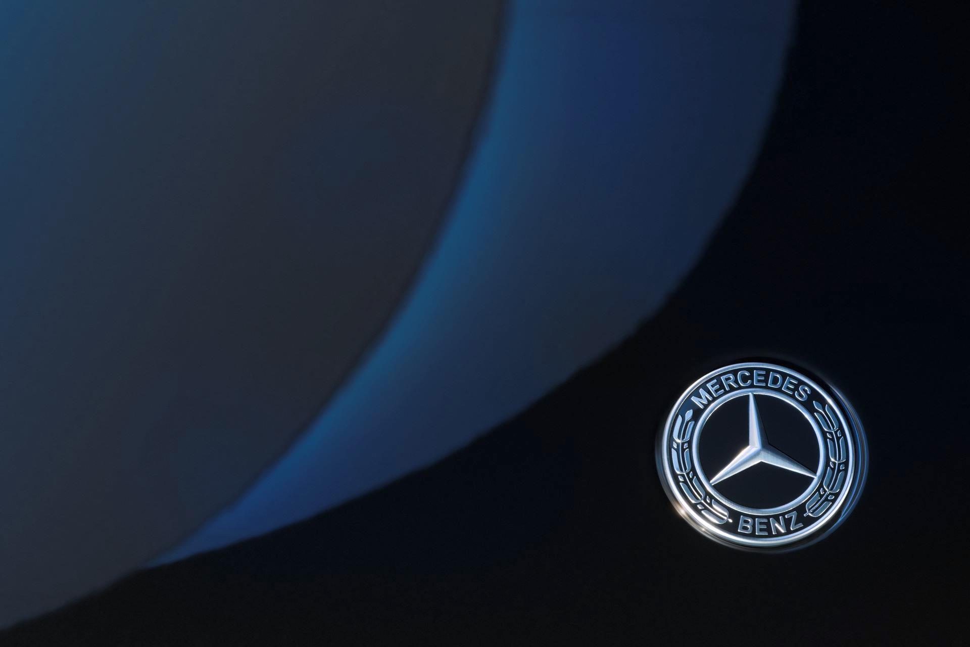 Mercedes-EQS-27