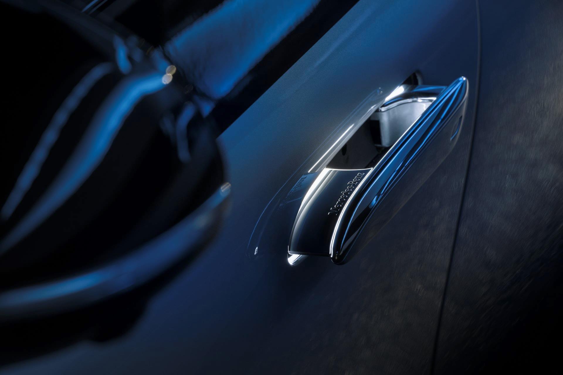 Mercedes-EQS-29