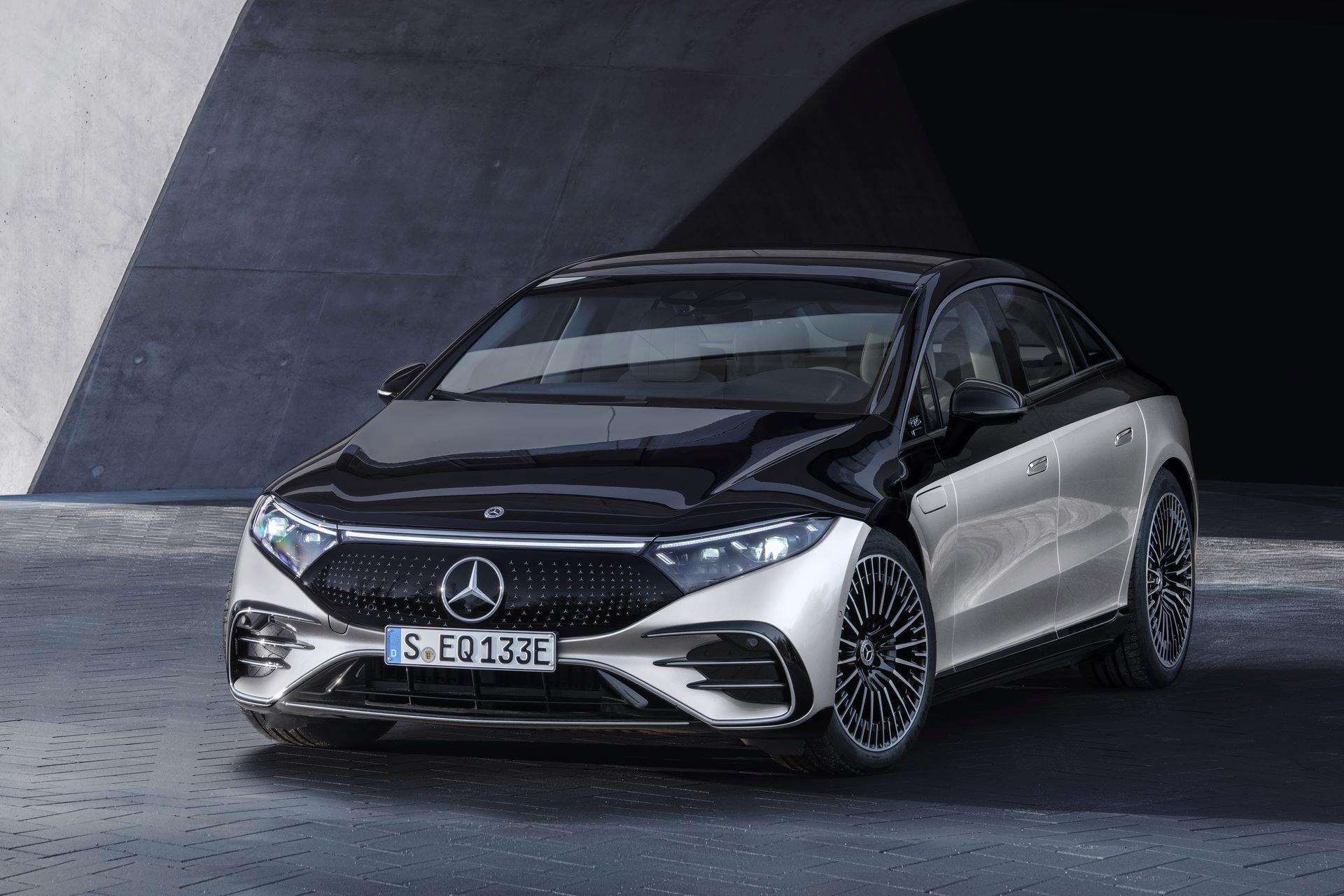 Mercedes-EQS-39