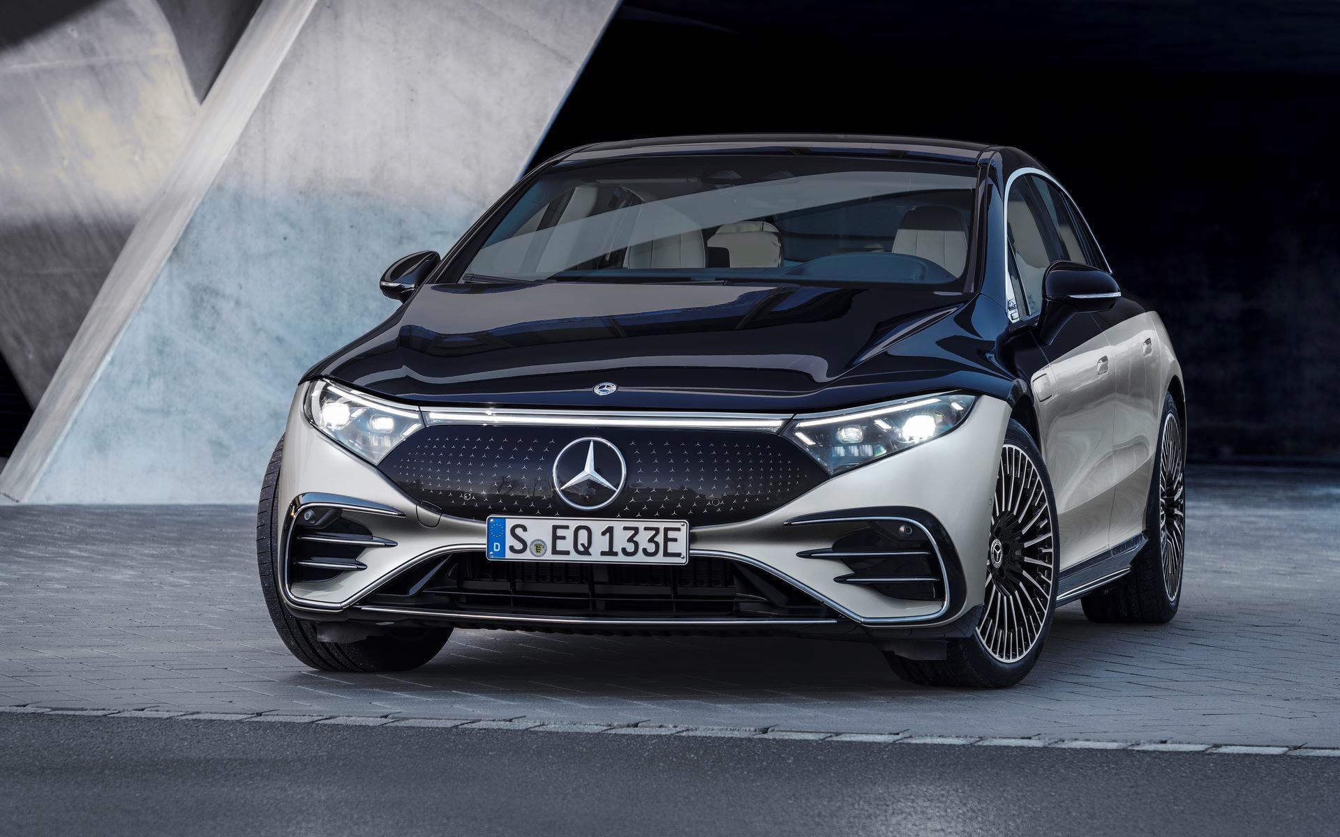 Mercedes-EQS-42