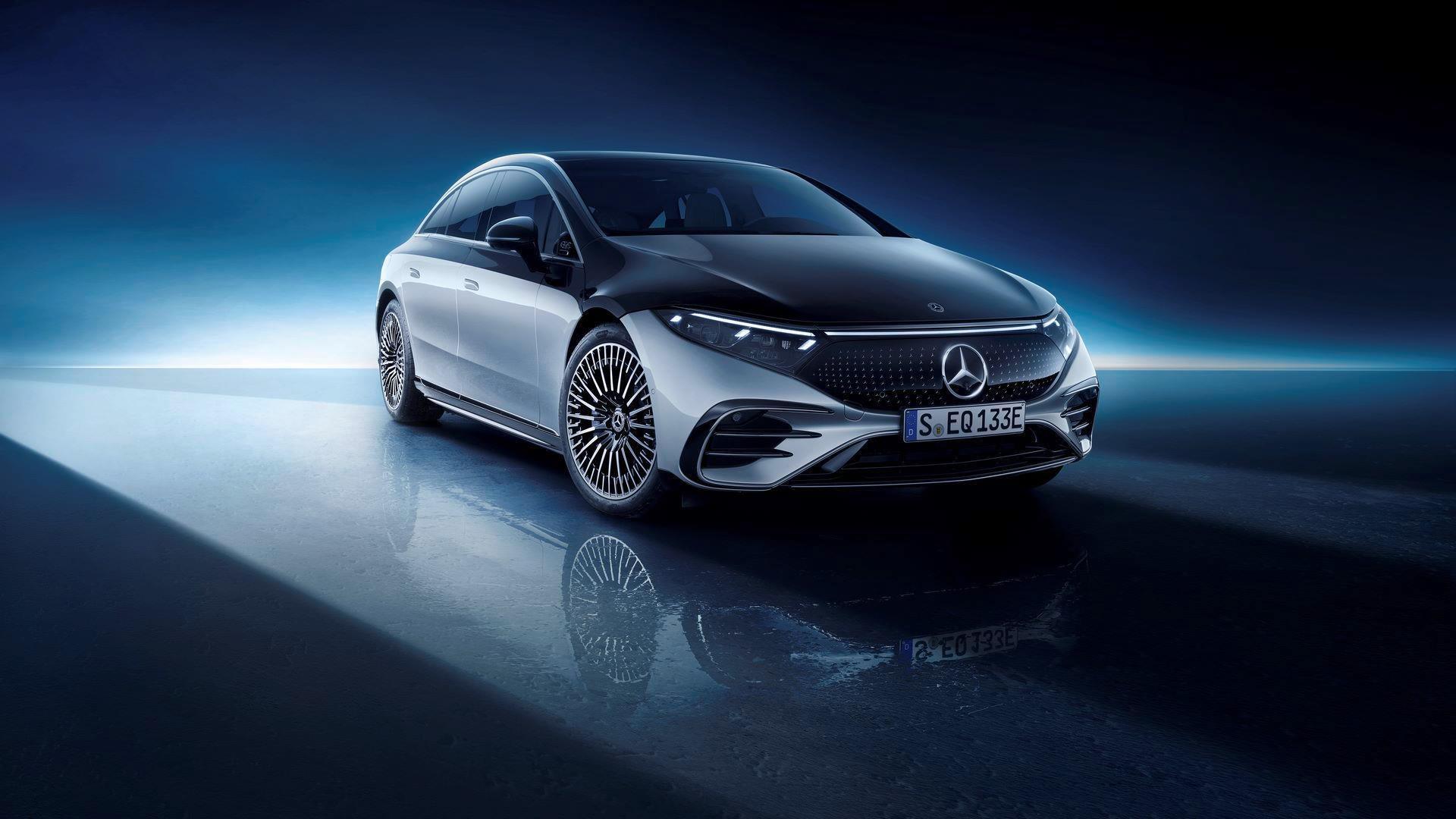Mercedes-EQS-52