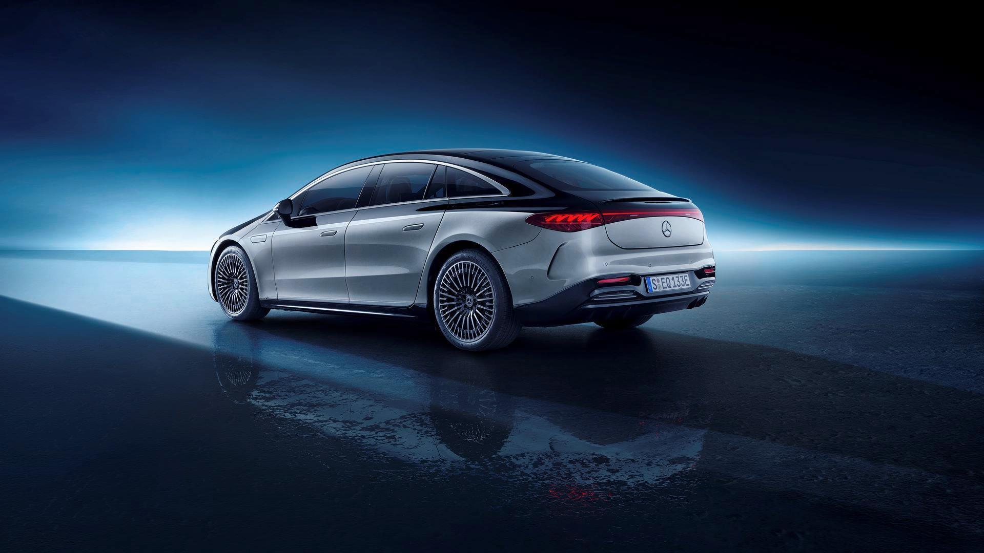 Mercedes-EQS-54