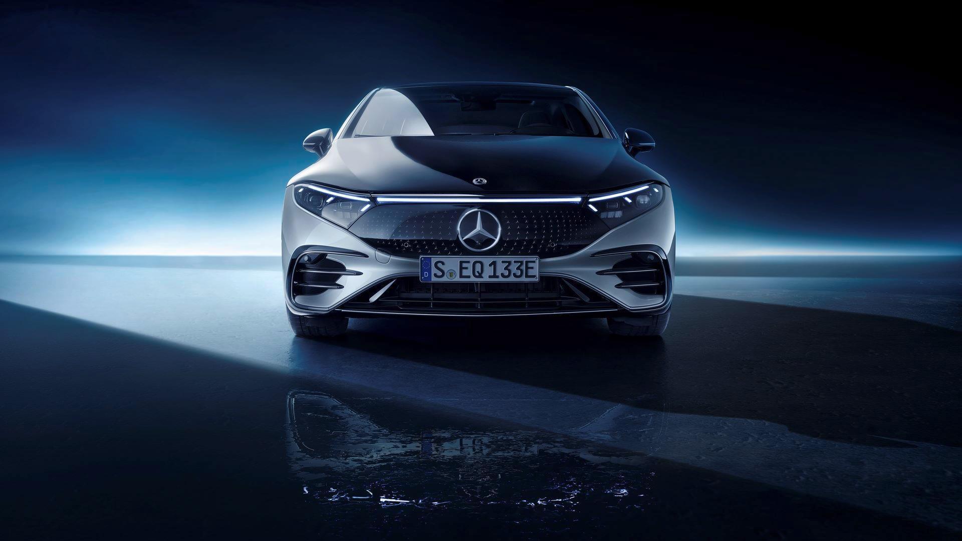 Mercedes-EQS-55