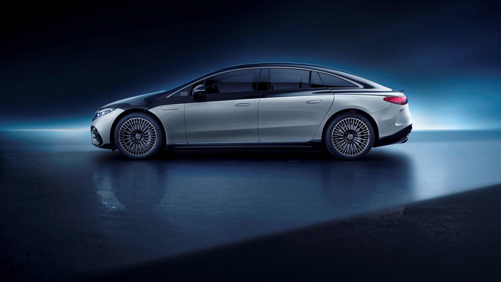 Mercedes-EQS-57