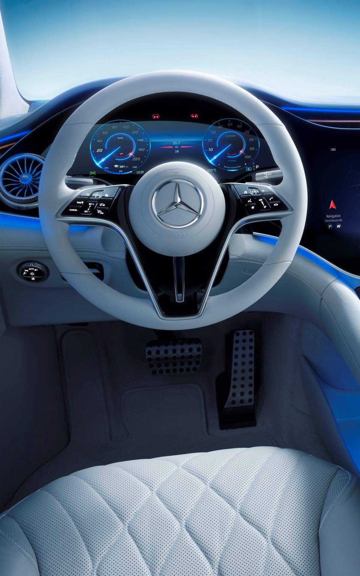Mercedes-EQS-67