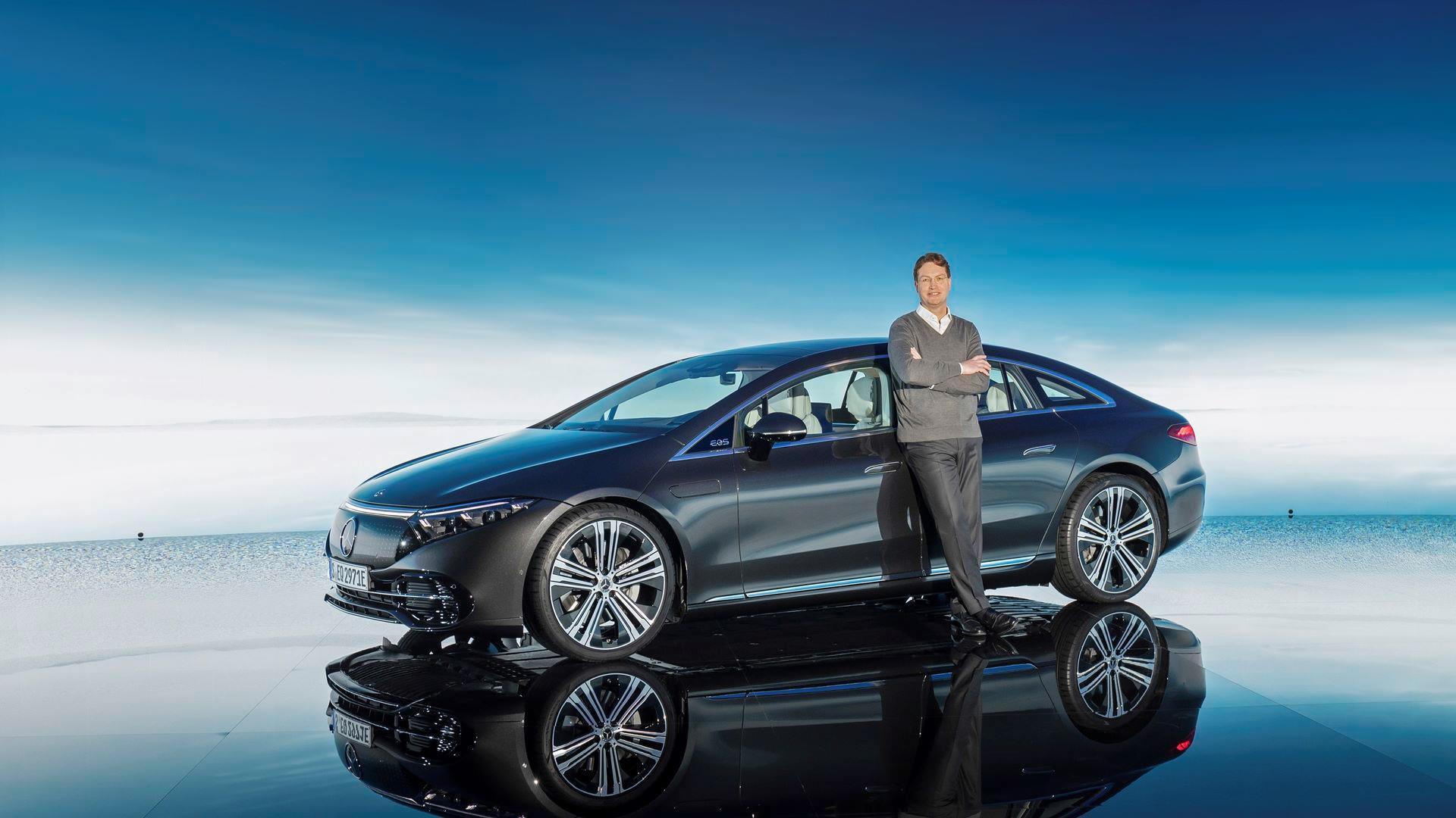 Mercedes-EQS-95