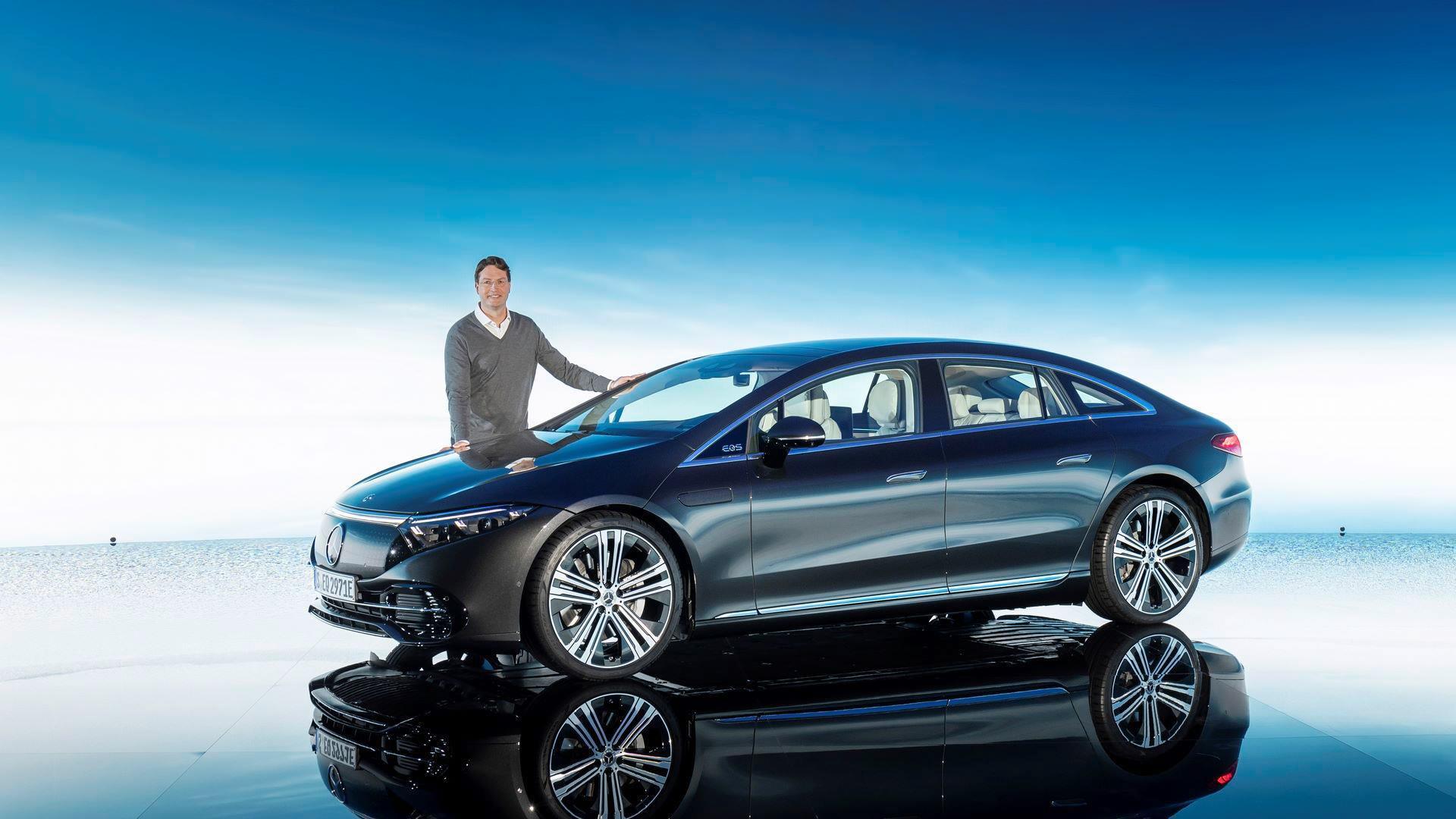 Mercedes-EQS-96