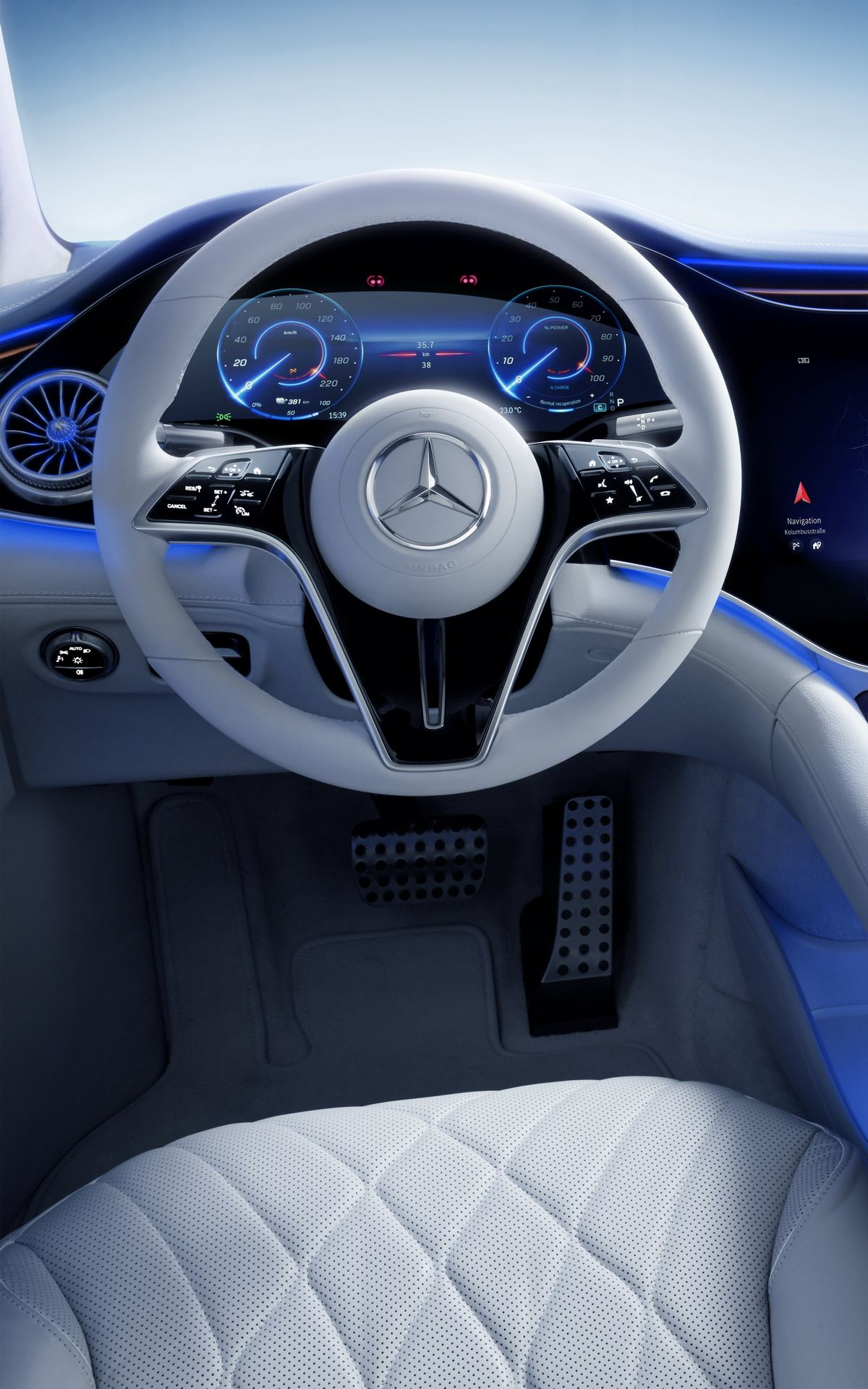 Mercedes-EQS-interior-11