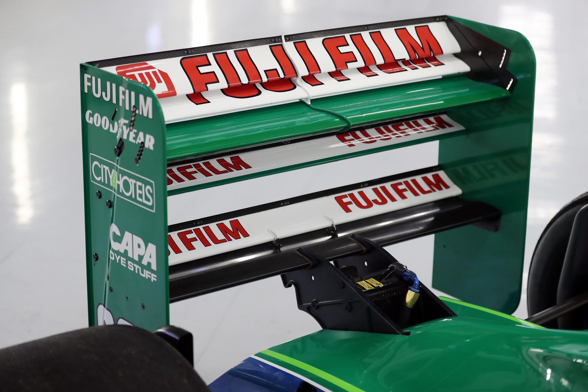 Michael_Schumacher_Jordan_F1_debut-0005
