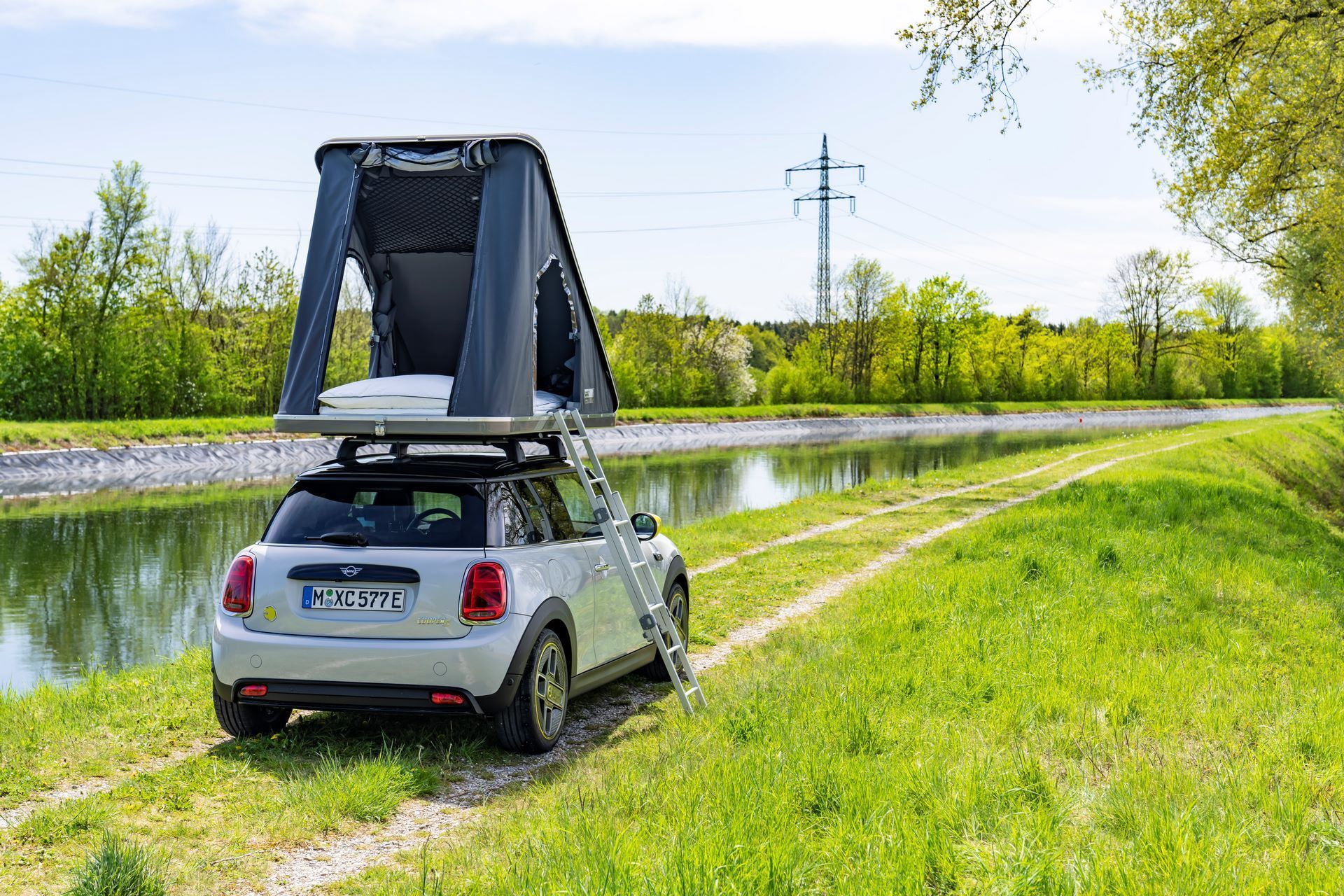 Mini-Cooper-Countryman-All4-Rooftop-Tents-19