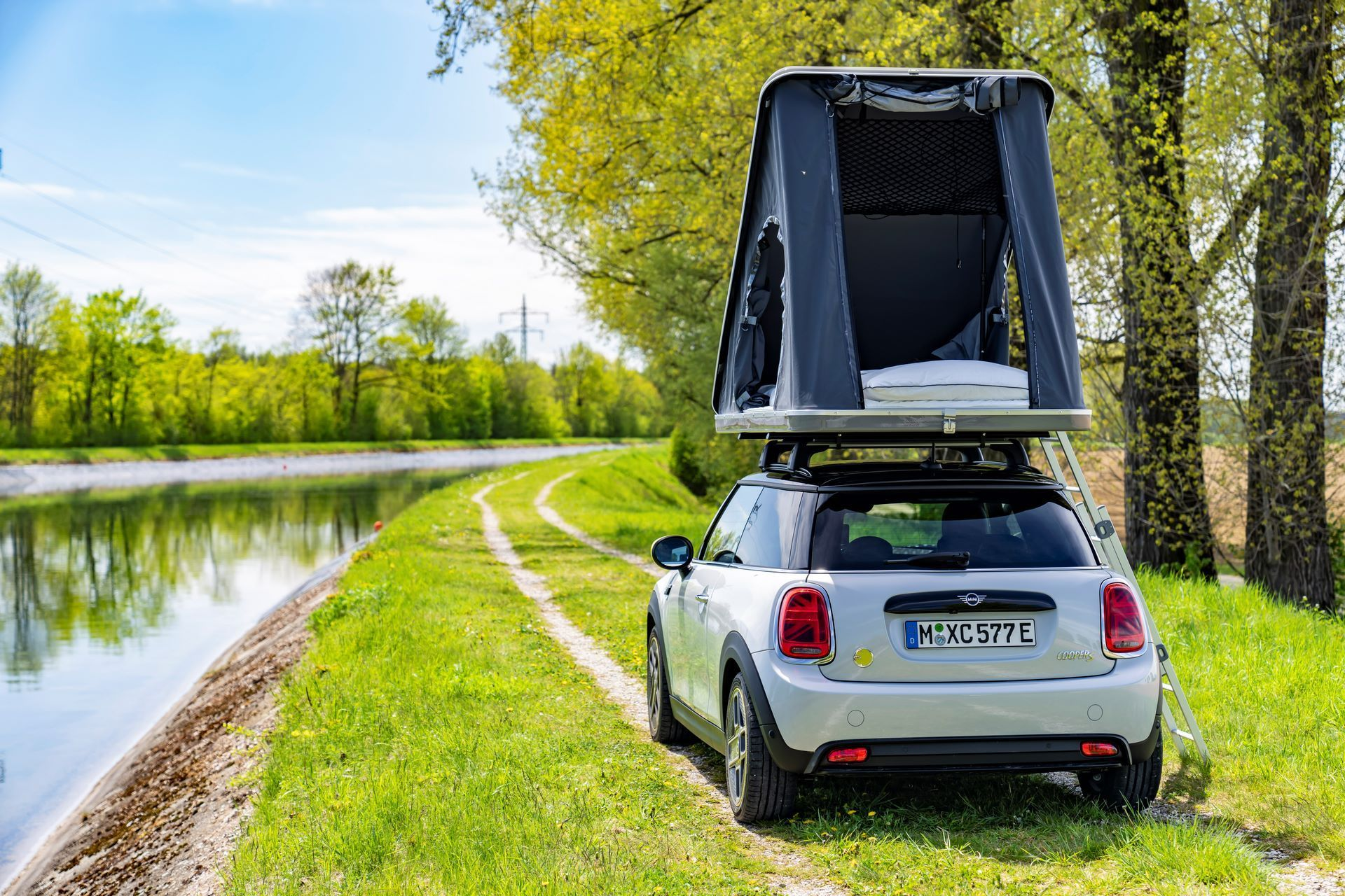 Mini-Cooper-Countryman-All4-Rooftop-Tents-21