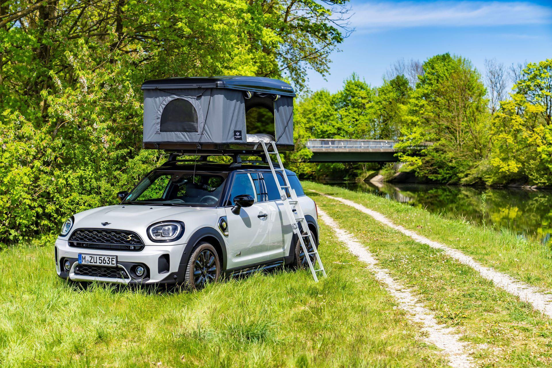 Mini-Cooper-Countryman-All4-Rooftop-Tents-25