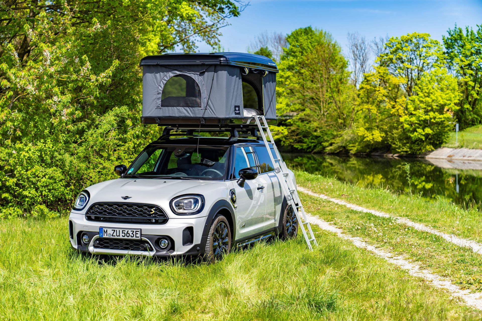 Mini-Cooper-Countryman-All4-Rooftop-Tents-26