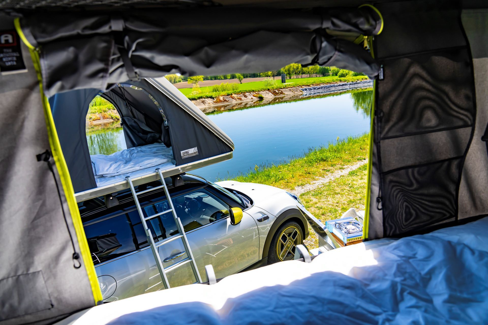 Mini-Cooper-Countryman-All4-Rooftop-Tents-9