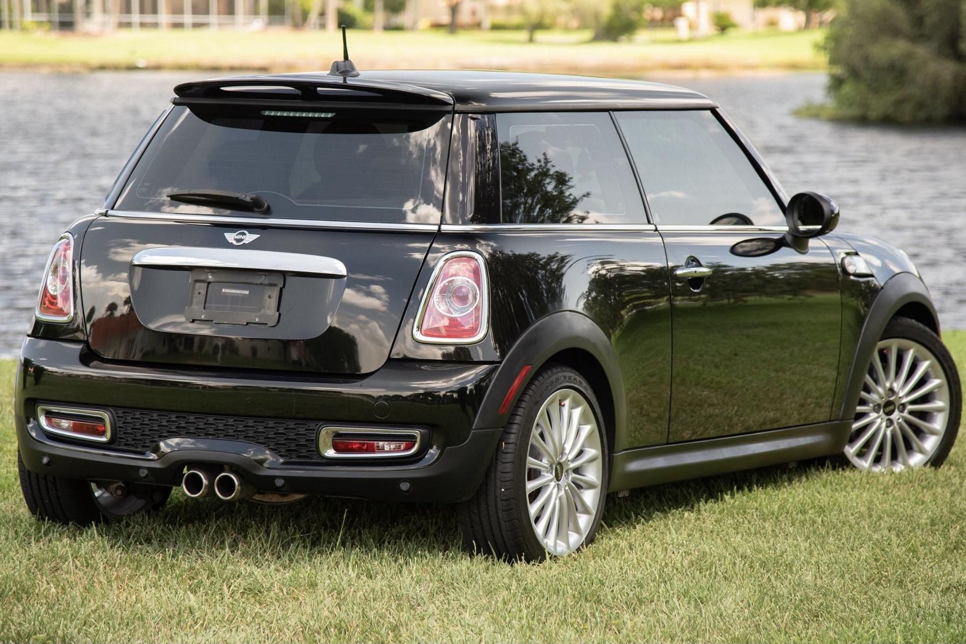 Mini_Cooper_S_Inspired_by_Goodwood-0003