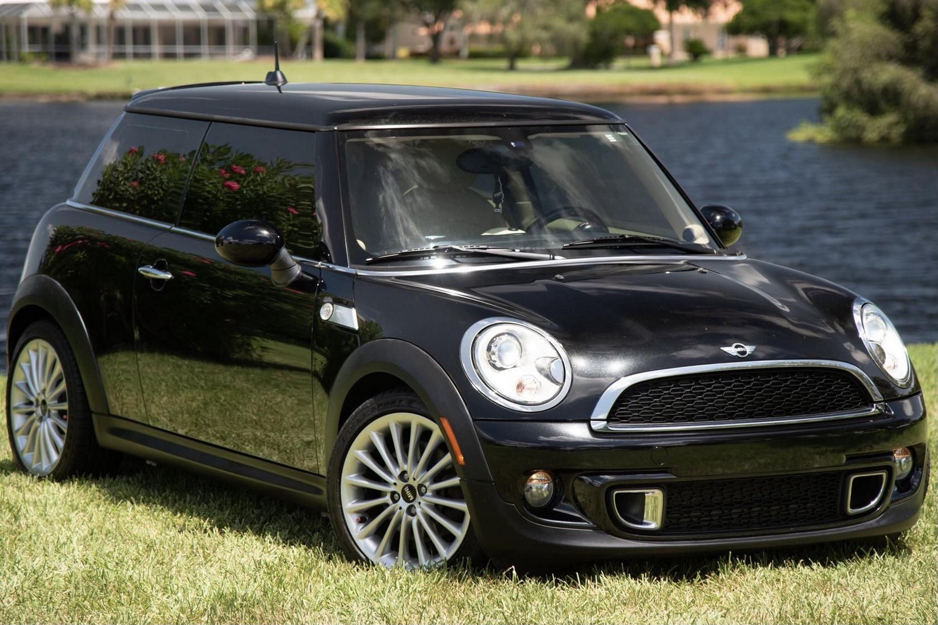 Mini_Cooper_S_Inspired_by_Goodwood-0038