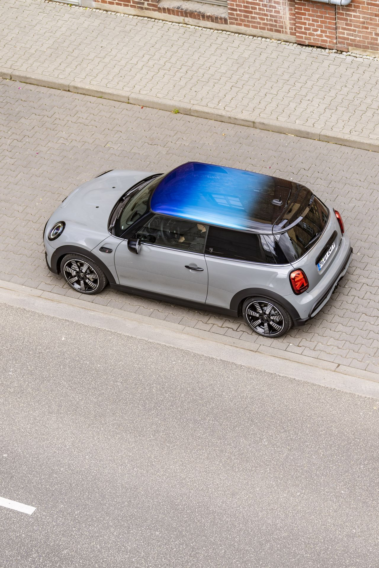 Mini-Multitone-Roof-21