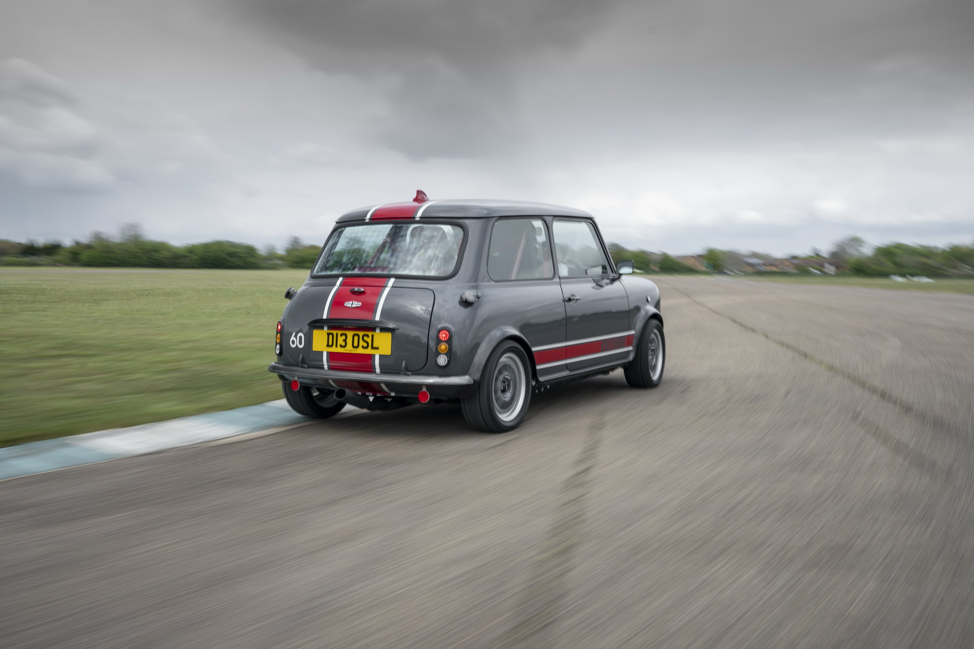 Mini-Remastered-Oselli-Edition-by-David-Brown-Automotive-3