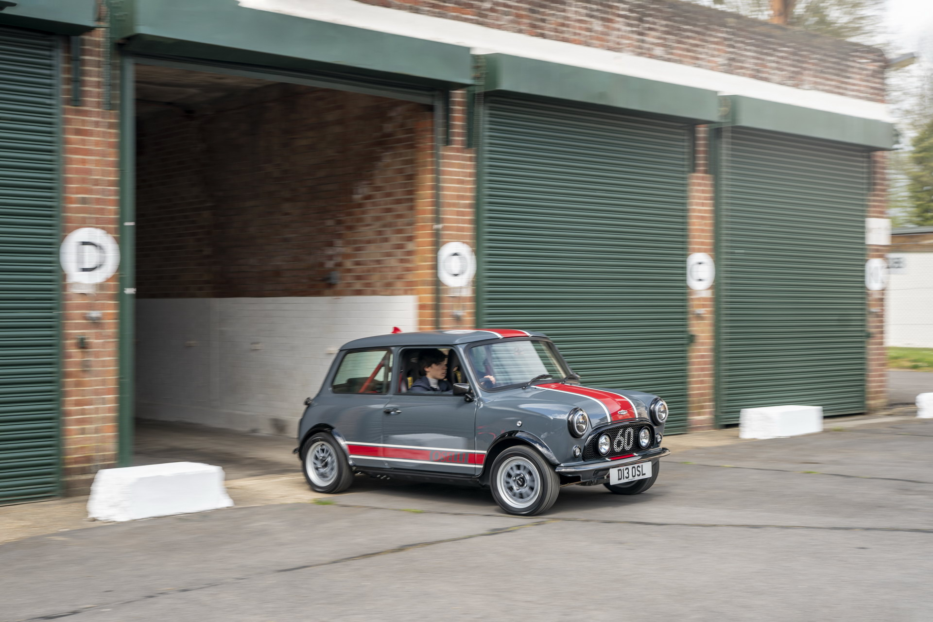 Mini-Remastered-Oselli-Edition-by-David-Brown-Automotive-5