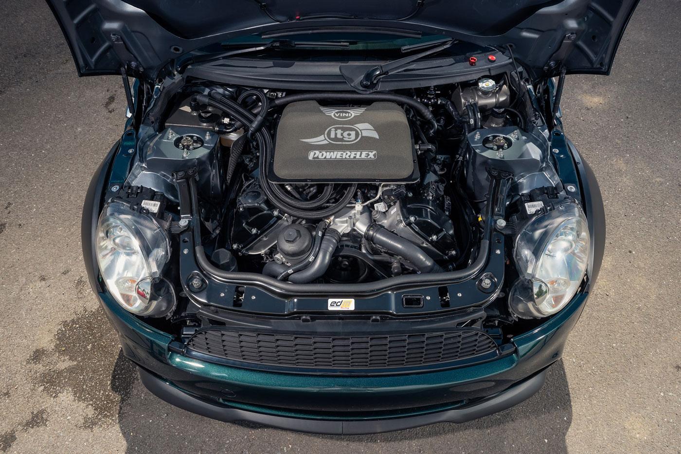 Mini-Vini-BMW-M3-V8-engine-swap-6